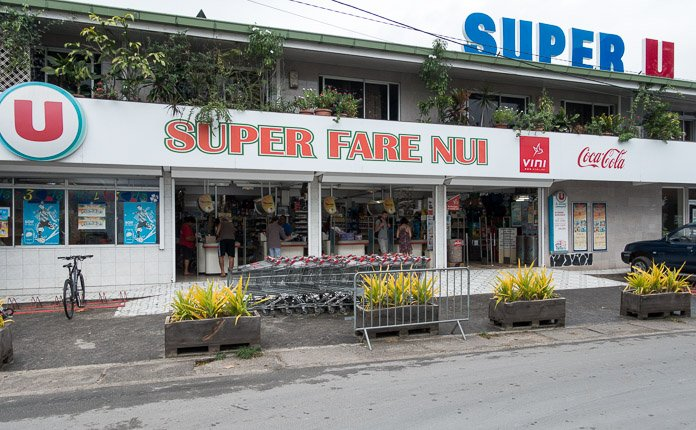 Fare Grocery store Huahine