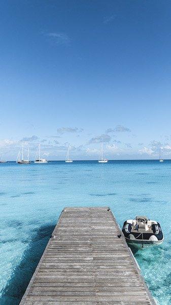 rangiroa island blue water | Outsidevibes